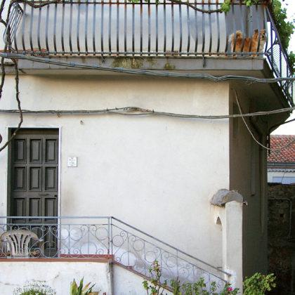 hauseingang-balkon