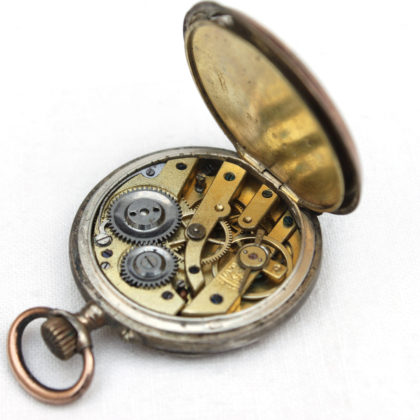 uhrwerk-antike-taschenuhr