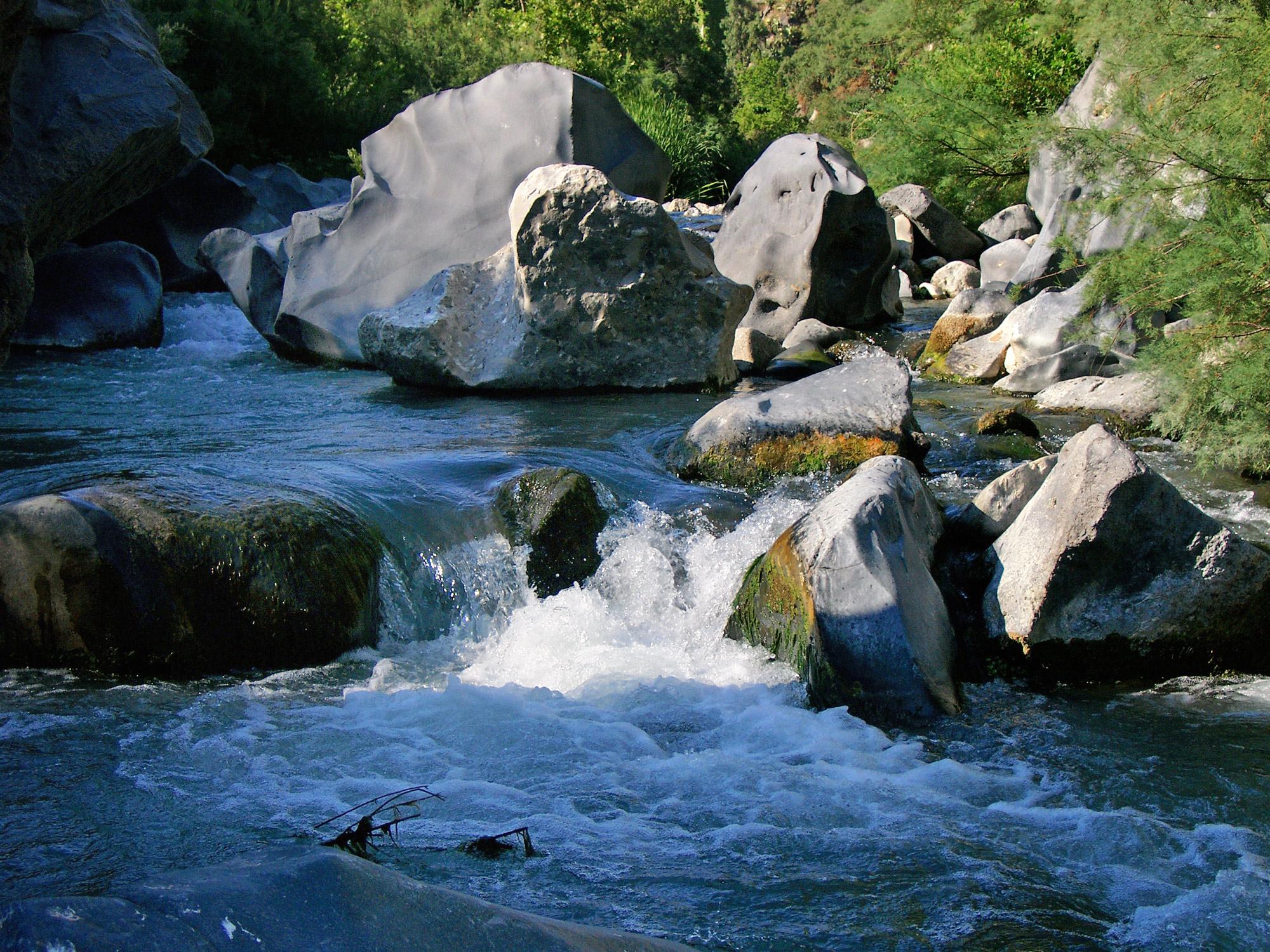 Fluss Alcantara Sizilien