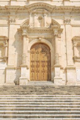 Kirchentür Sizilien