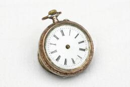 Antike Uhr ohne Zeiger