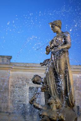 Brunnen Skulptur Wasser