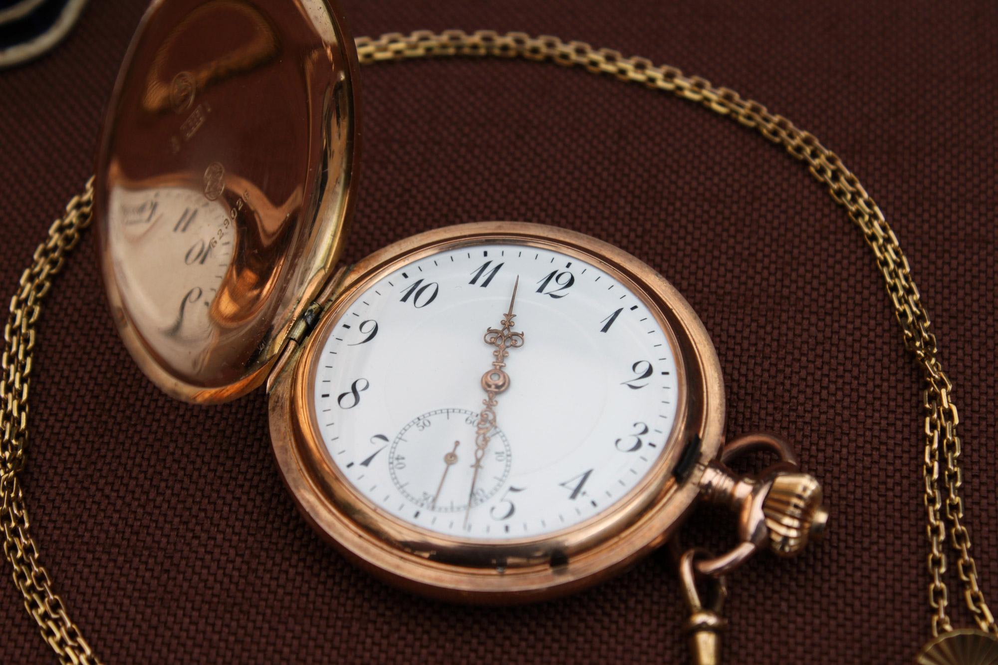 Goldene Taschenuhr