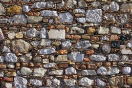 Naturstein Trockenmauer