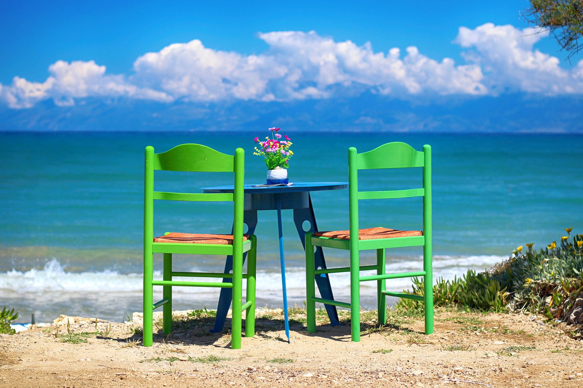 Tisch am Meer